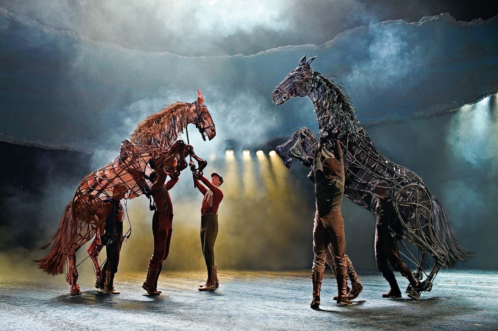 Warhorse-Stichting-Theateralliantie-Amsterdam-2014-Brinkhoff-Moegenburg-22