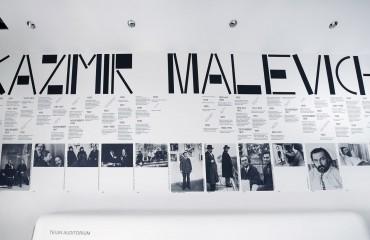 Malevich - Stedelijk Museum Amsterdam - 2013 - foto PH.GJ. van ROOIJ