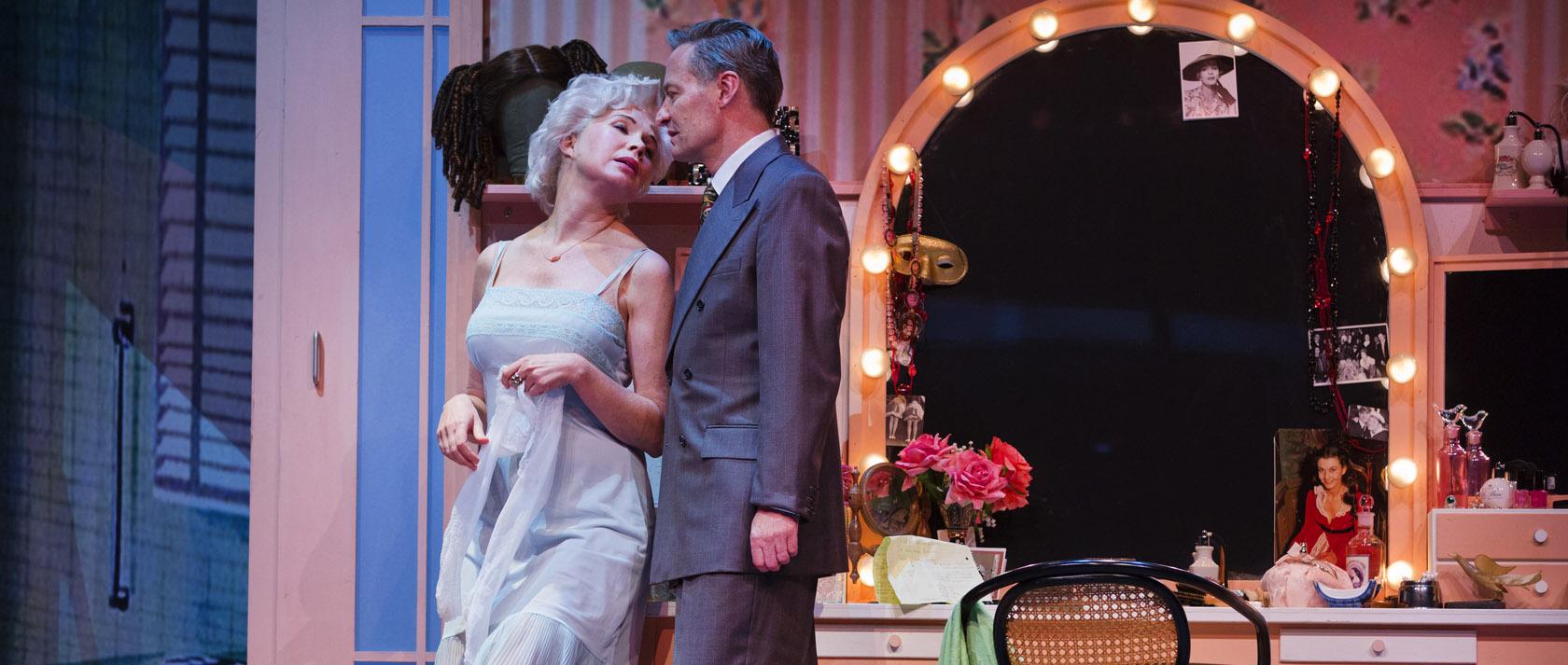 DeLaMar-Theaterproducties-scenefoto-In-de-ban-van-Broadway-1b-foto-Leo-van-Velzen