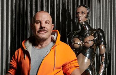 Manfred Thierry Mugler in de tentoonstelling in Kunsthal Rotterdam - 2019 - foto Reinier RVDA - detail - Uitgelicht